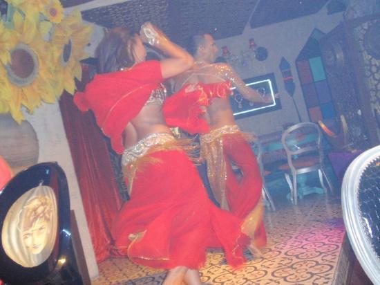 Belly dancing picture of arabesque istanbul tripadvisor for Arabesque lebanon cuisine