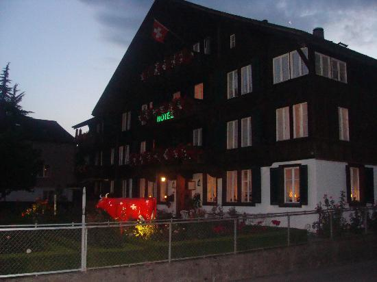 Hotel Chalet Swiss: View of the hotel