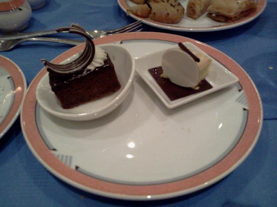 Movenpick Resort Hurghada: cakes