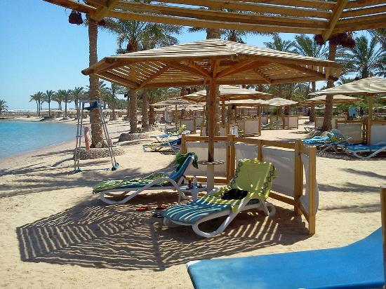 Continental Hotel Hurghada: plenty of space on the beach