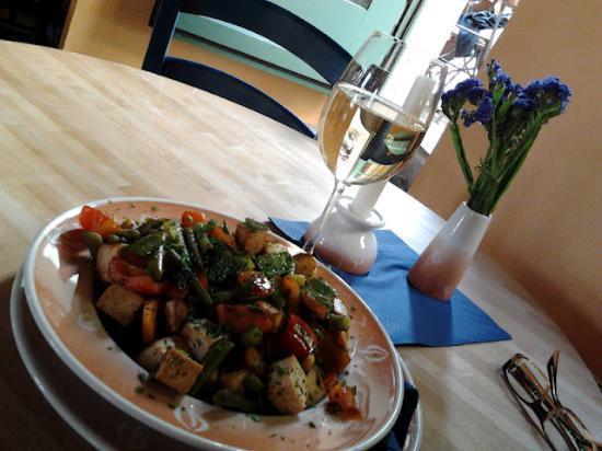 Restaurant brennNessel: Pan-fried tofu