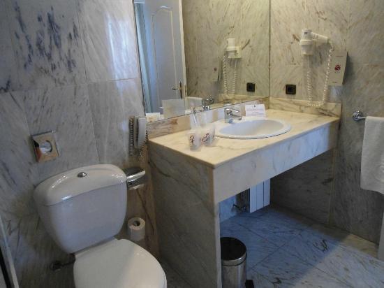 Salles Hotel Pere IV: Bagno