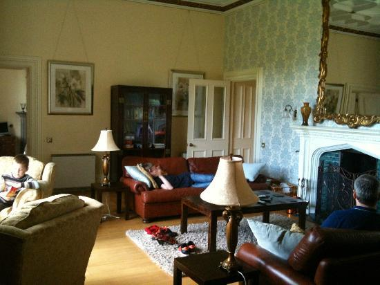 Staffield Hall: sitting room - Manor Hall