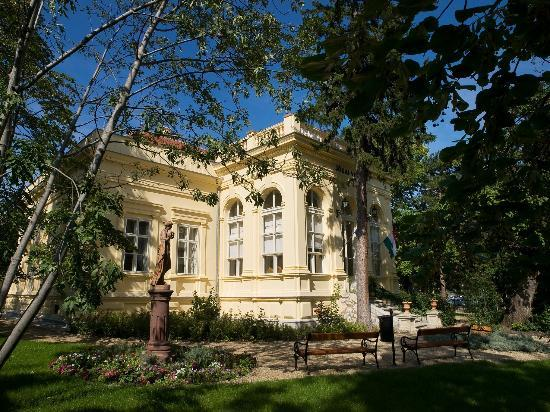 Balatonfured Hungary  city photos gallery : Balatonfured, Hungary: Jókai Mór Memorial House