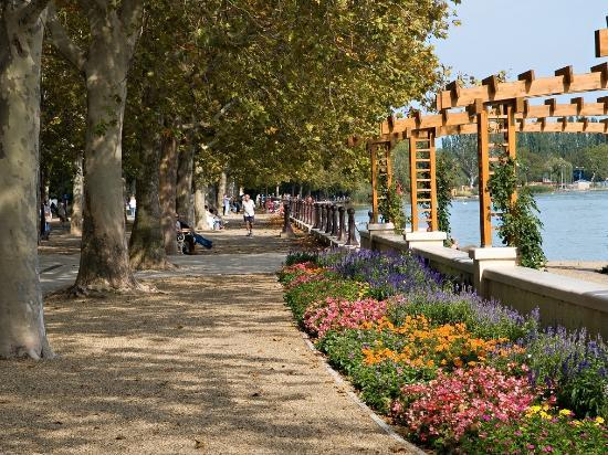 Balatonfured Hungary  city images : Balatonfured, Hungary: Tagore Promenade