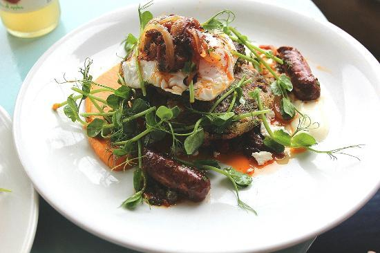Pierreponts Cafe: Courgette and Feta fritter with Merguez and poached Egg