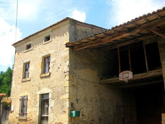 Chateau De Codignat : окрестности