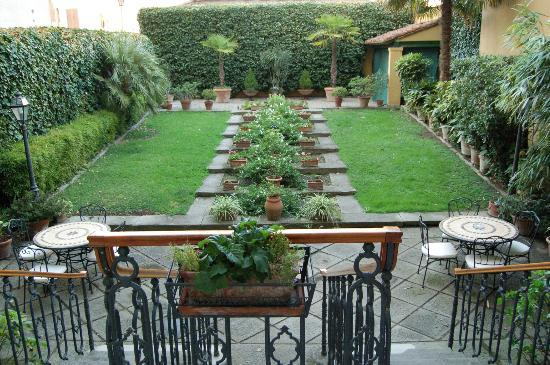 Principe Hotel: The Garden Area