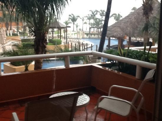 Fiesta Americana Veracruz: Vista desde el balcón a la piscina