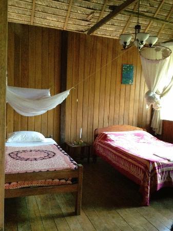 Ecoaldea Kapievi: Sol: room