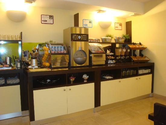 Ibis Styles Nantes Centre Place Royale : sala colazione