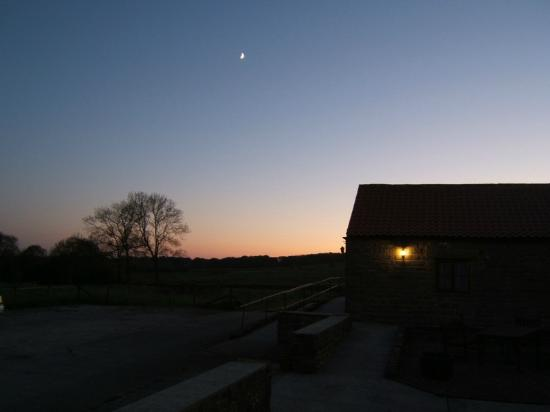 Rawcliffe House Farm Holiday Cottages and Studio Rooms : A lovely sunset at Rawcliffe House Farm