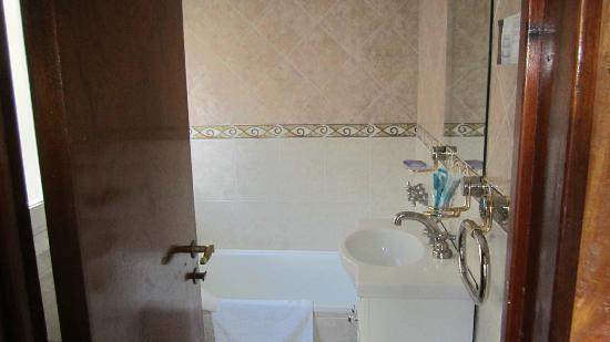 Botiquin Para Baño Mar Del Plata ~ Dikidu.com