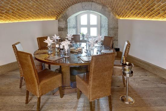 Spitbank Fort: Dining Table in the restaurant area