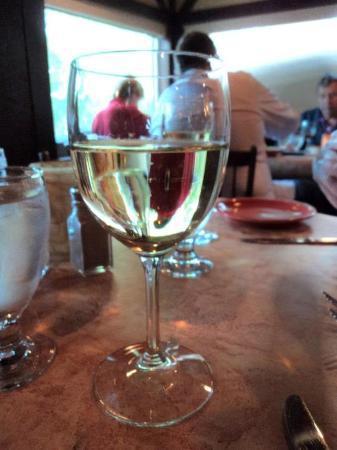 Manlius, นิวยอร์ก: Good house wine
