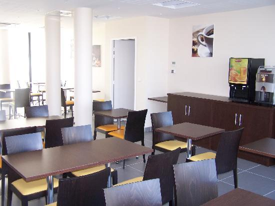 All Suites Appart Pau : All Suites Appart Hôtel Pau - Salle de petit-déjeuner