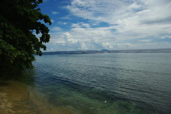 Bunaken Cha Cha Nature Resort: View from Beach