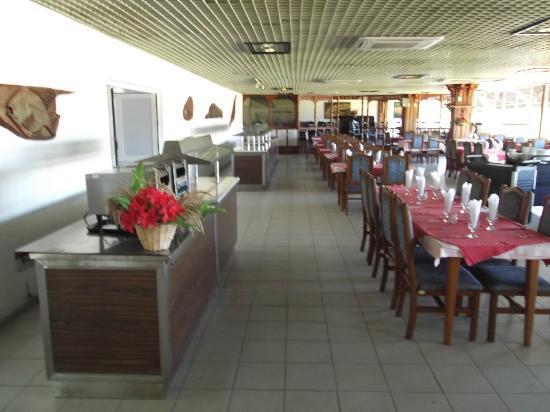 Hotel Islazul Moron : Restaurant Turiguano de l'hôtel au 12 avril 2012.