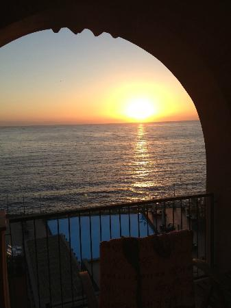 Hotel Santa Tecla Palace: Alba sul mare