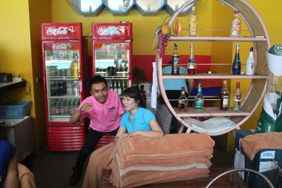 Pattaya Garden Hotel: Бар возле бассейна