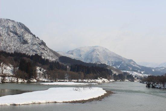 Aga-machi, Ιαπωνία: 川の上流方面(部屋から)