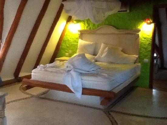 Holbox Hotel Casa las Tortugas - Petit Beach Hotel & Spa: Master Suite Bedroom
