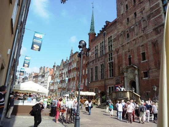 Dluga Street (ul. Dluga): Dluga rush hour