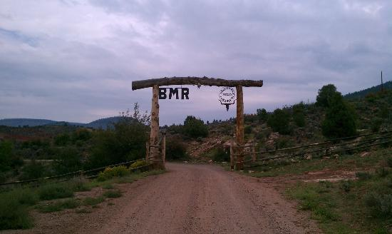 Black Mountain Ranch: The entrance to the ranch