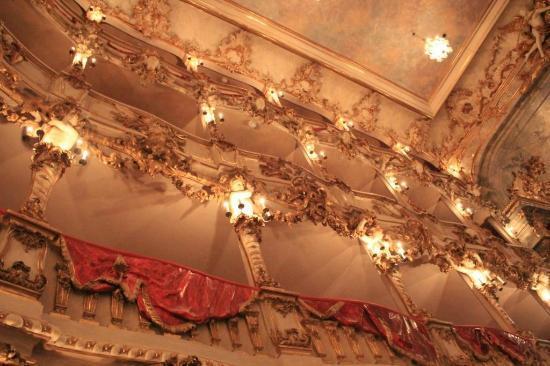 Cuvilliestheater (Altes Residenztheater): Sensação de estar dentro de um Filme!!!