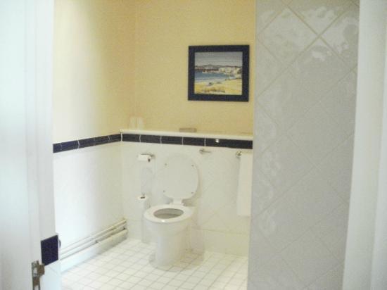 Innkeeper's Lodge: bathroom