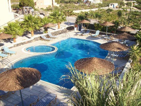 Castro Hotel Kamari: la piscina..