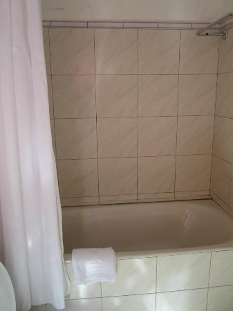 Hotel Txutxu-Mutxu: bath room 2