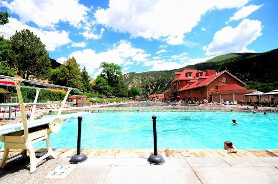 Caravan Inn: Hot Springs Pool - football field length long, 90 degrees, another pool at 105 degrees