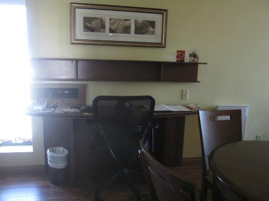 诺曼丁套房酒店照片