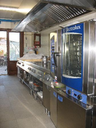 Locanda Marcella: Interno cucina elettrica