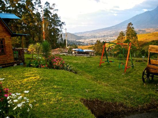 Hosteria Rose Cottage: the view over otavalo