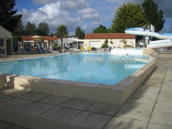 Le Pas Opton : The pool