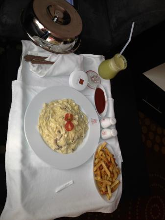 The Royal International Hotel: Fettuccine Alfredo