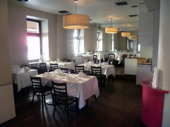 Mayers Bar & Restaurant: Innen