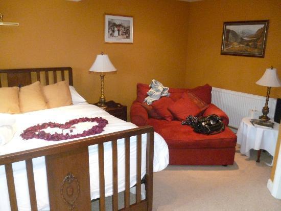 Ashmount Country House Secret Garden Room