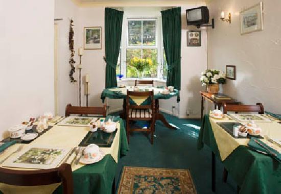 Valley House Bed & Breakfast: Breakfast Room
