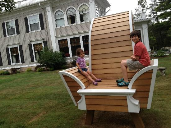 Gateways Inn: Gateways recently hosted an artist installation of a Giant Chair - Love it!