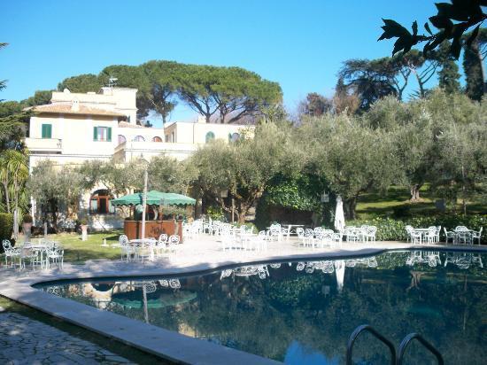 Grand Hotel Villa Fiorio: view from the pool