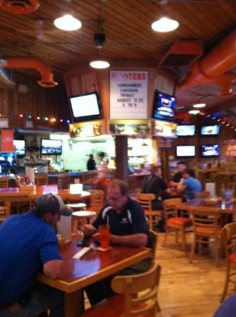 Hooters Champaign Restaurant Reviews Phone Number