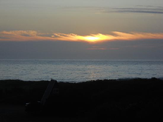 Pacific Reef Hotel - Gold Beach: beautiful sunset