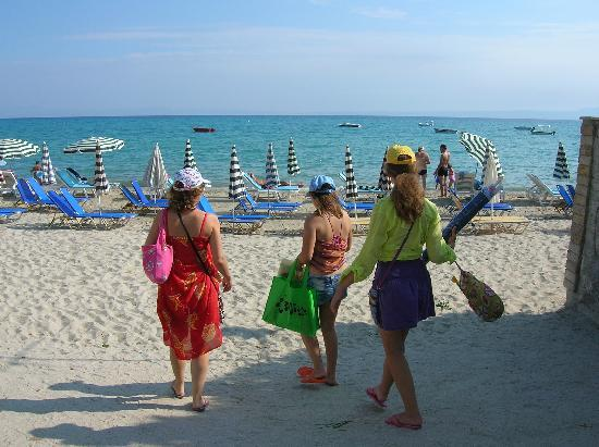 Hanioti Grand Victoria: Пляж. Ханиоти