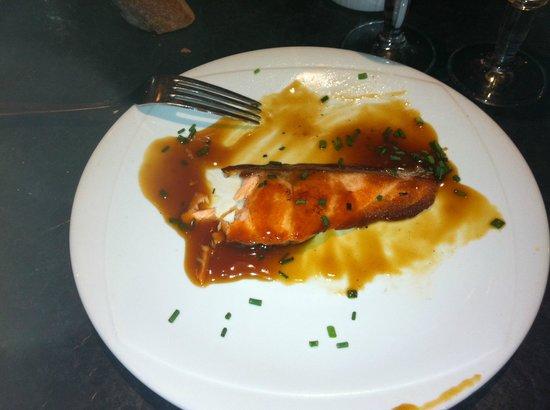 Merci: voila le fabuleux saumon fiez vous a la taille de la fourchette
