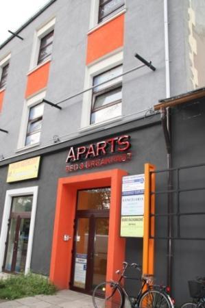 Apartamenty Aparts: HABITACION EN EL PROPIO EDIFICIO DE APARTAMENTO