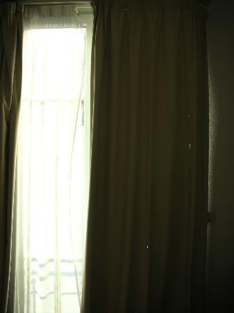 Hotel Acanthe : La tenda bucata!