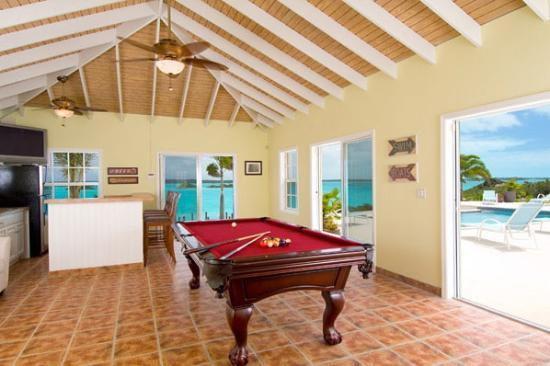 Breezy Palms Villa: Games Room with access to Pool